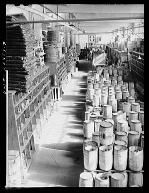 Albuquerque, New Mexico. Part of the Atchison, Topeka and Sant Fe Railroad store department. Over 35,000 different items are carried here
