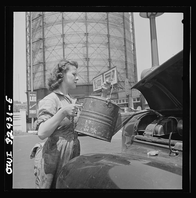 Philadelphia, Pennsylvania. Miss Ruth Gusick, formerly a clerk in a drugstore, now works as a garage attendant at one of the Atlantic Refining Company garages