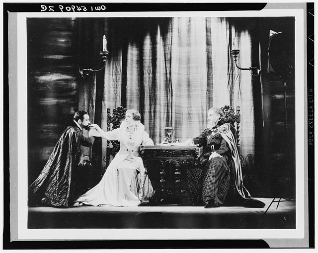 Mary of Scotland. American Theatre Guild production, 1933-1934. Starring Helen Hayes as Mary and Helen Mencken as Queen Elizabeth