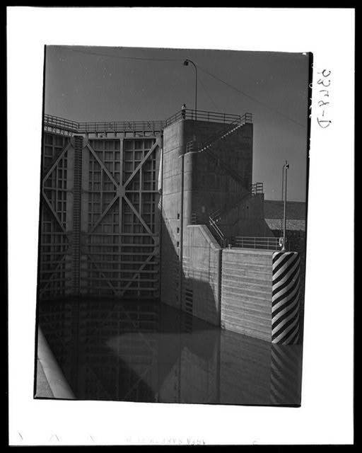Watts Bar Dam, Tennessee. Tennessee Valley Authority. Lock