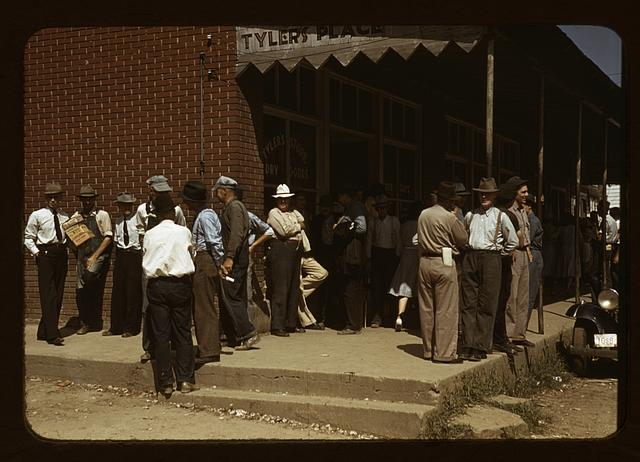 Farmers and townspeople in center of town on Court Day, Compton [i.e. Campton], Ky.