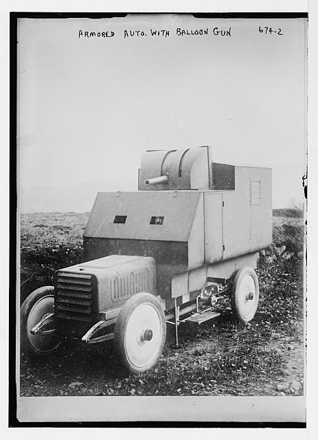 Armoured automobile, with balloon gun