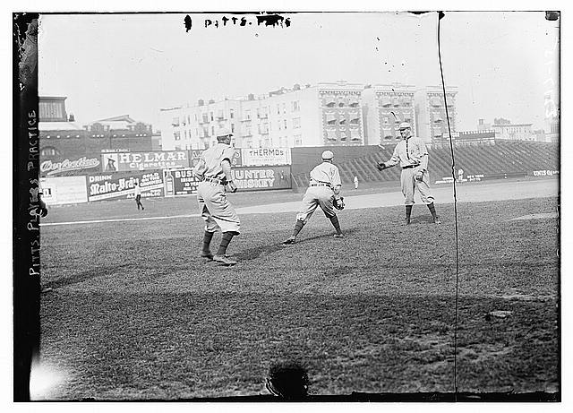 [Pittsburgh players practicing, Pittsburgh, NL (baseball)]