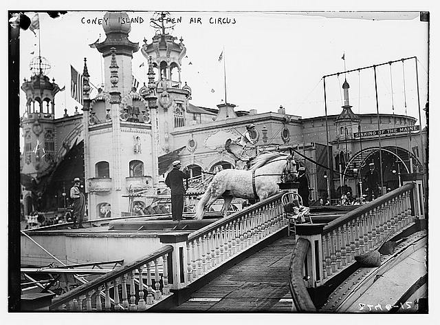Coney Island, Open air circus