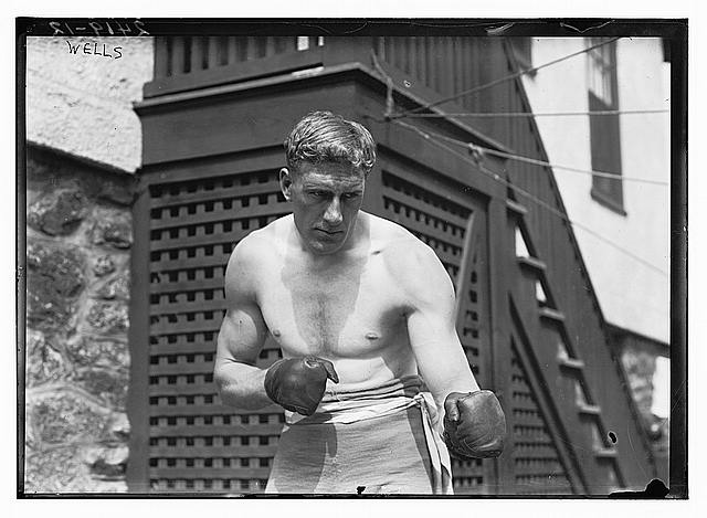 [Bombardier Billy Wells, English boxer, preparing in Rye, N.Y., for fight with Al Panzer]