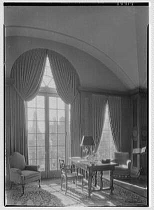 Cosmopolitan Club, 122 E. 66th St., New York City. Library, to palladian window, vertical