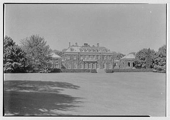 Childs Frick, residence in Roslyn, Long Island. House from left II