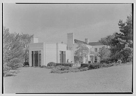 George R. Dyer, residence in Brookville, Long Island. Rear facade, from left