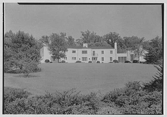 George R. Dyer, residence in Brookville, Long Island. General view, entrance facade