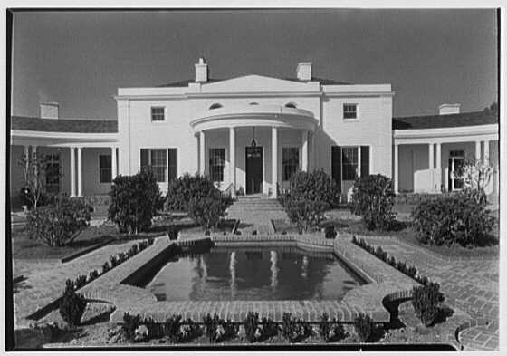 Mrs. George F. Baker, Horseshoe Plantation, residence in Tallahassee, Florida. Axis center section over square pool