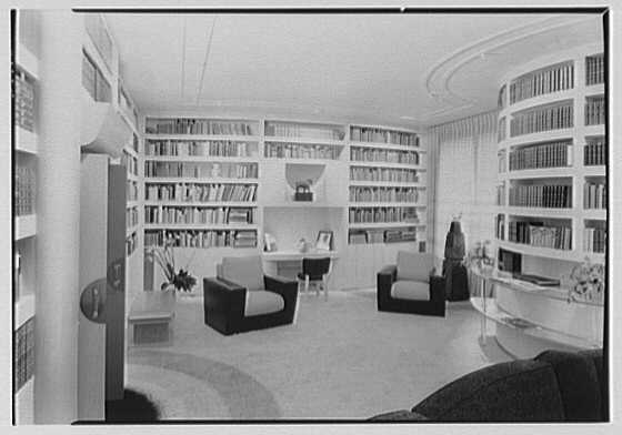 William Burden, Jr., residence at 10 Gracie Sq., New York City. Library, to desk