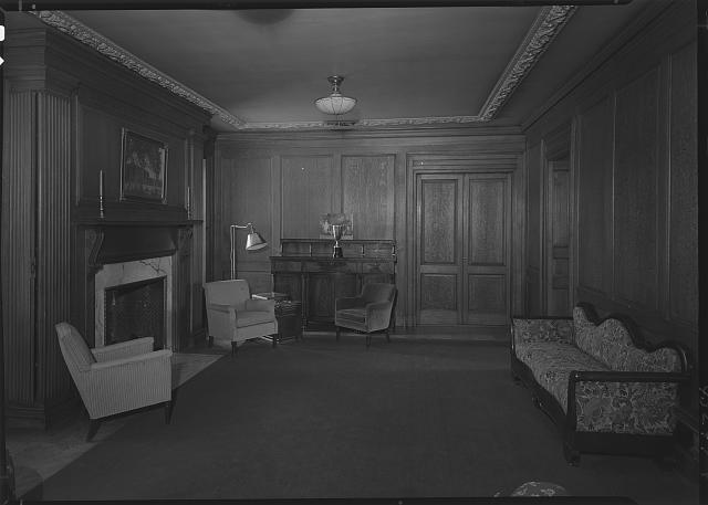 Miss Gill's School, Bernardsville, New Jersey. Upper lounge