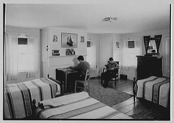 Viewpoint School, Amenia, New York. Boys' bedroom