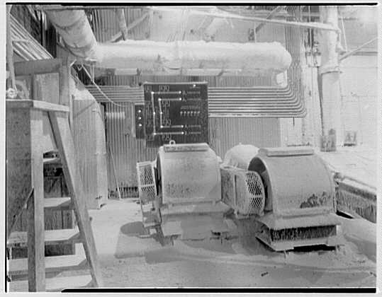 Pittsburgh Plate Glass Co., Columbia Chemical Division. Plant interior X
