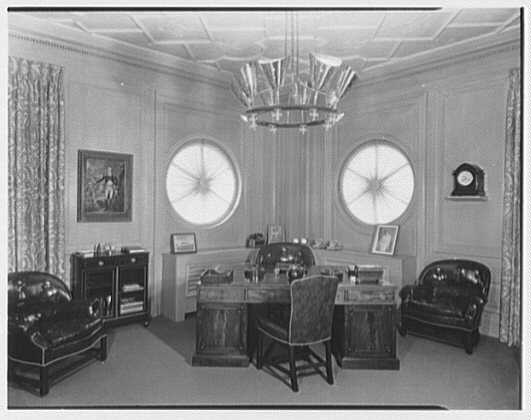 Aetna Industrial Corp., 565 5th Ave., New York City. Mr. Weisman's office I