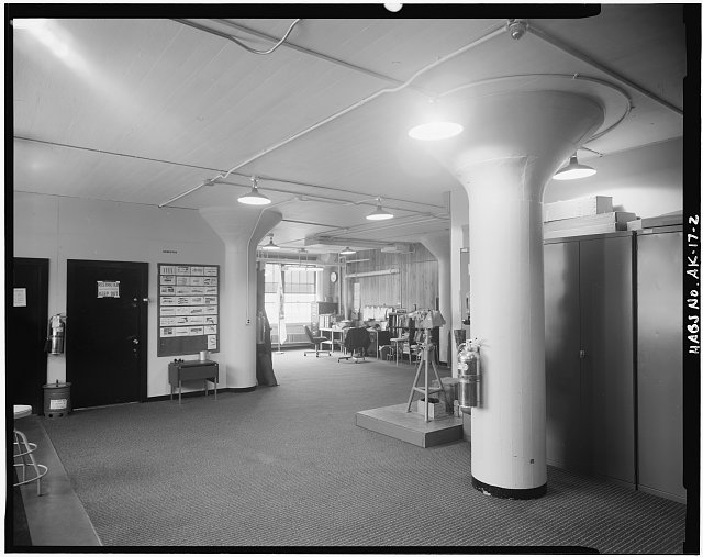 2.  INTERIOR VIEW OF MAIN LEVEL SHOWING WHAT APPEARS TO BE ORIGINAL SUPPORTS. - U. S. Coast Guard Headquarters Building, Ketchikan, Ketchikan Gateway Borough, AK