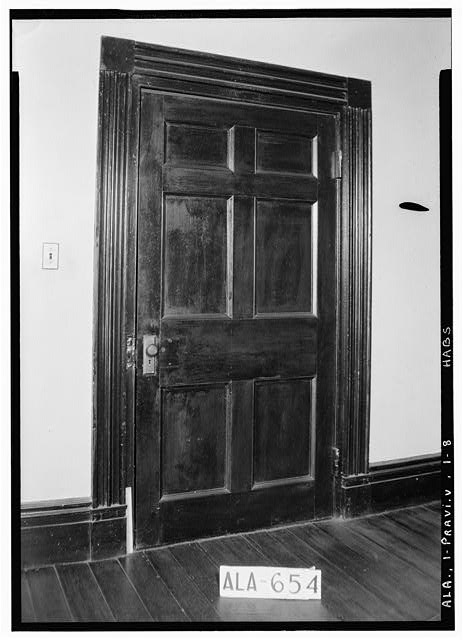 8.  Historic American Buildings Survey W. N. Manning, Photographer, March 26, 1935 DOOR AND DOOR TREATMENT IN LIVING ROOM (S.E. Rm) - Pope-Golson House, 815 Shadow Lane (moved from original location), Prattville, Autauga County, AL