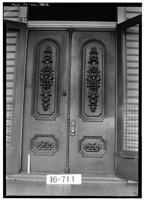 2.  Historic American Buildings Survey W. N. Manning, Photographer, March 23, 1934. DETAIL (FRONT DOORS) - Dawson-Vaughan House, 704 Tremont Street, Selma, Dallas County, AL