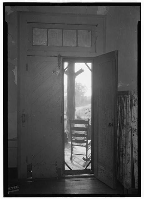 5.  Historic American Buildings Survey Alex Bush, Photographer, November 10, 1936 INTERIOR OF FRONT DOOR - Virginia Glover House, County Roads 19 & 4, Forkland, Greene County, AL