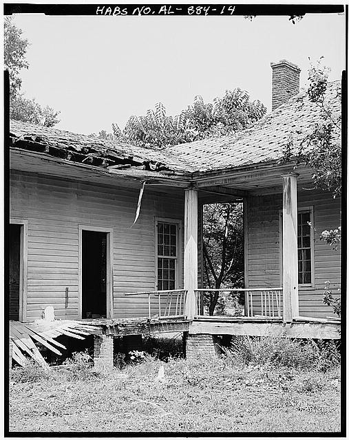 14.  45 [degree] detail of porch - Josiah Haigler Plantation House, County Highway 37 North of U.S. Highway 80, Burkville, Lowndes County, AL