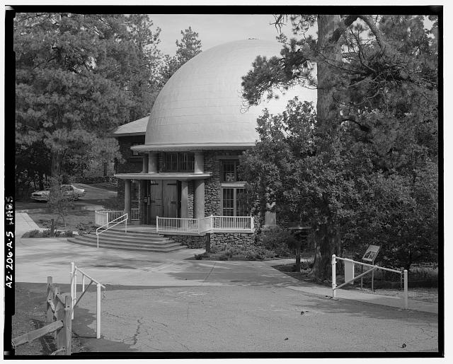5.  FRONT ELEVATION, ROTUNDA, LOOKING WESTNORTHWEST - Lowell Observatory, Slipher Building, 1400 West Mars Road, Flagstaff, Coconino County, AZ