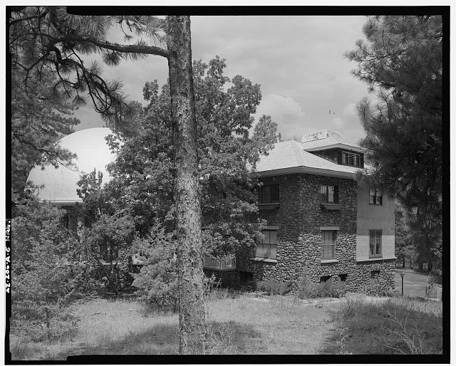 6.  FRONT ELEVATION, EAST WING, LOOKING WESTNORTHWEST - Lowell Observatory, Slipher Building, 1400 West Mars Road, Flagstaff, Coconino County, AZ