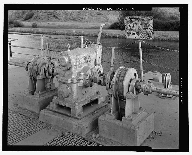 "Detail of crank-handle lifting device. ""Foote Bros. Gear & Mach Corp, Chicago, 01T"" appears of the side of the crank - Wellton-Mohawk Irrigation System, Wasteway No. 1, Wellton-Mohawk Canal, North side of Wellton-Mohawk Canal, bounded by Gila River to North & the Union Pacific Railroad & Gila Mountains to south, Wellton, Yuma County, AZ"