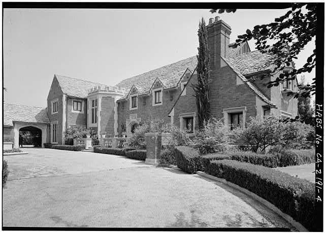 4.  ENTRANCE FRONT, GENERAL VIEW - Max Busch House, 160 South San Rafael Street, Pasadena, Los Angeles County, CA