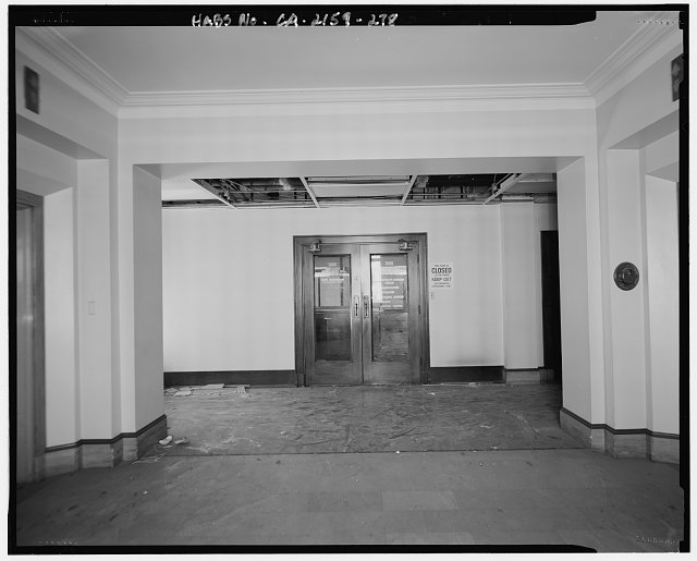 John Ash, AIA, Photographer August 1997. VIEW OF LOS ANGELES CITY HALL THIRTEENTH FLOOR ELEVATOR LOBBY AND DOORS TO ROOM 1300, FACING WEST - Los Angeles City Hall, 200 North Spring Street, Los Angeles, Los Angeles County, CA