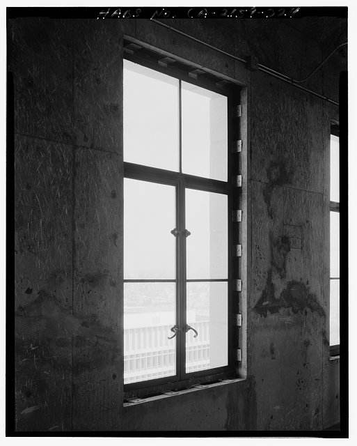 John Ash, AIA, Photographer August 1997. DETAIL OF LOS ANGELES CITY HALL TWENTY-SIXTH FLOOR SHOWING WINDOW, FACING SOUTHEAST - Los Angeles City Hall, 200 North Spring Street, Los Angeles, Los Angeles County, CA