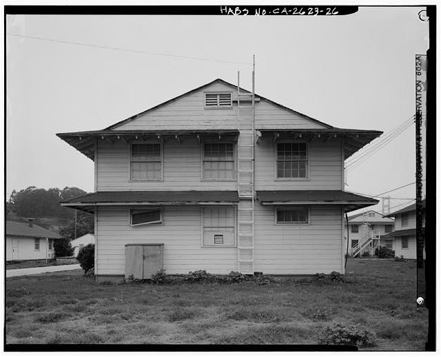 Building No. 906, east side - Presidio of San Francisco, Enlisted Men's Barracks Type, West end of Crissy Field, between Pearce & Maudlin Streets, San Francisco, San Francisco County, CA