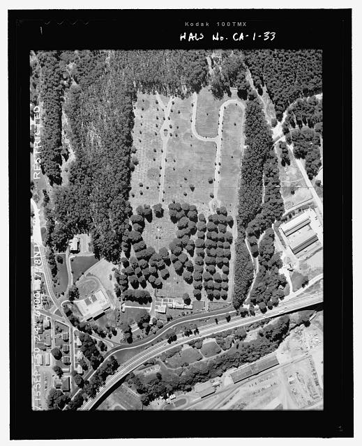 HISTORIC IMAGE:  AERIAL VIEW OF CEMETERY AND ITS ENVIRONS.  PHOTOGRAPH 15 SEPTEMBER 1950.  NCA HISTORY COLLECTION.  - San Francisco National Cemetery, 1 Lincoln Boulevard, San Francisco, San Francisco County, CA