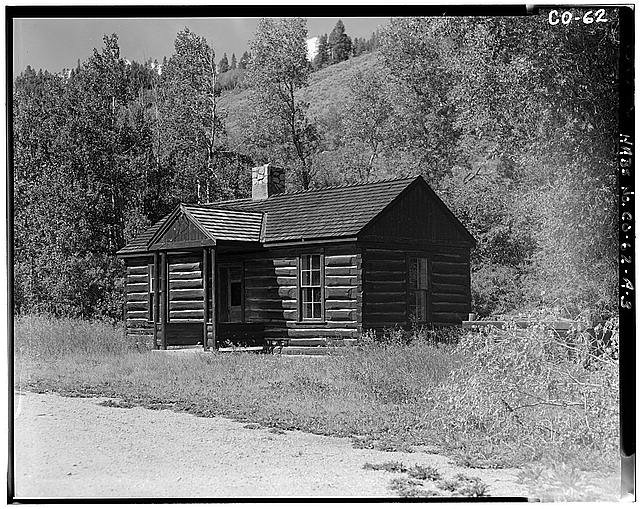 3.  VIEW OF SIDE AND FRONT, FACING NORTH AND WEST, BUILDING A - Horseshoe Ranger Station, Building A, 15 miles South of Parshall, Parshall, Grand County, CO