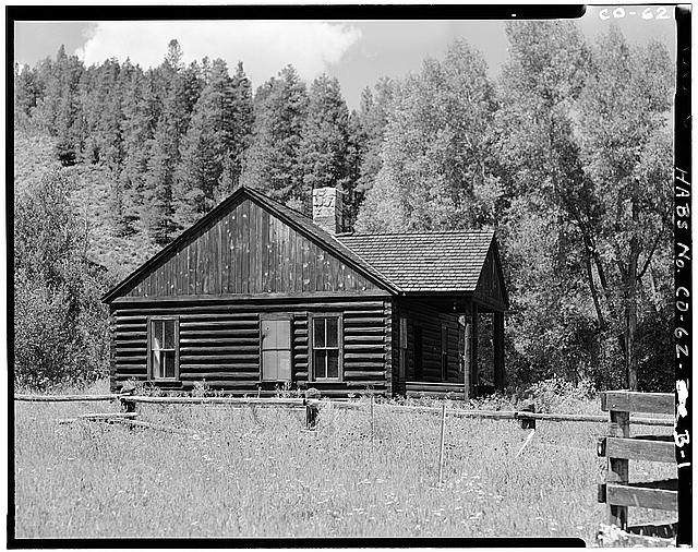 1.  VIEW OF SIDE AND FRONT, FACING NORTH, BUILDING B - Horseshoe Ranger Station, Building B, 15 miles South of Parshall, Parshall, Grand County, CO