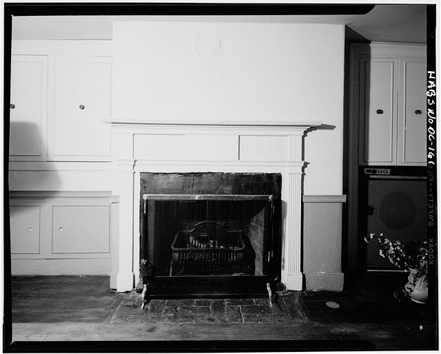 5.  Historic American Buildings Survey George Eisenman, Photographer Summer 1967 SECOND FLOOR, FRONT ROOM, FIREPLACE SOUTH WALL - Adams-Mason House, 1072 Thomas Jefferson Street Northwest, Washington, District of Columbia, DC