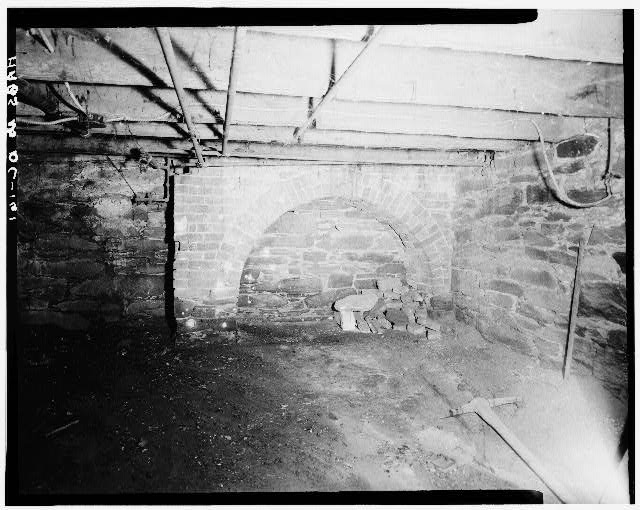 6.  Historic American Buildings Survey George Eisenman, Photographer Summer 1967 BASEMENT: FIREPLACE SUPPORT ARCH, WEST WALL, UNDER BRICK ELL - Adams-Mason House, 1072 Thomas Jefferson Street Northwest, Washington, District of Columbia, DC