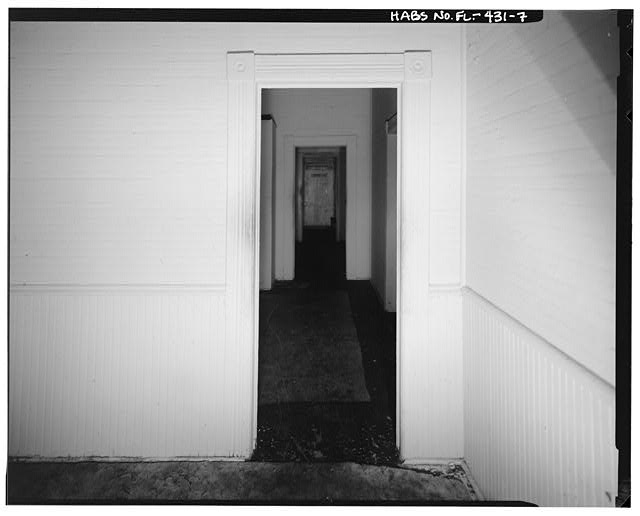 View of interior doorway, beadwork , and chair rail at 1915 East fifteenth Avenue, facing south. - 1915 East Fifteenth Avenue (House), Tampa, Hillsborough County, FL