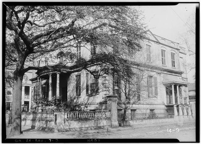 3.  Historic American Buildings Survey Branan Sanders, Photographer March 1934 FRONT VIEW (SOUTHWEST) - Richardson-Maxwell-Owen-Thomas House, 124 Abercorn Street, Savannah, Chatham County, GA