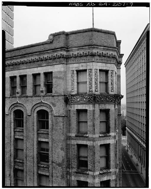 9.  DETAIL, CORNER FACADE, SIXTH THROUGH EIGHTH FLOORS - Equitable Building, 25 Pryor Street Northeast, Atlanta, Fulton County, GA