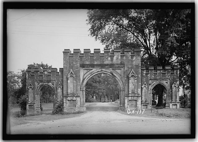 4.  Historic American Buildings Survey L.D. Andrew - Photographer June, 6, 1936 GATE FROM THE SOUTH - Old State Capitol, Milledgeville, Baldwin County, GA