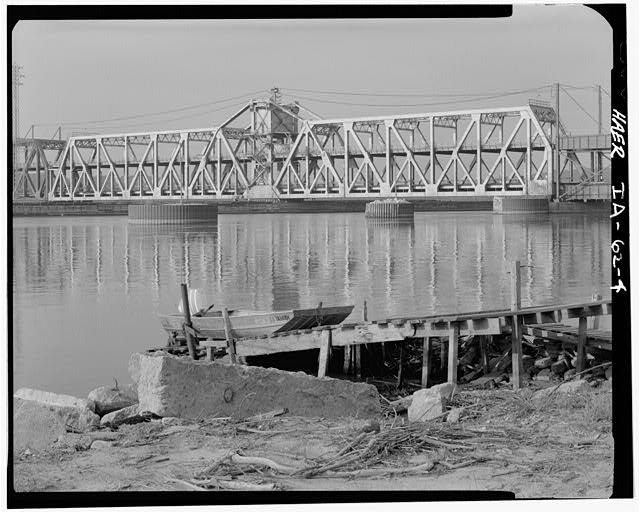 4.  SWING SPAN FROM NORTHWEST - Fort Madison Bridge, Spanning Mississippi River at U.S. Highway 61, Fort Madison, Lee County, IA