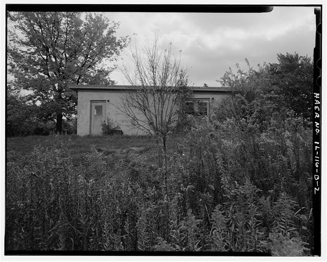 2.  ADMINISTRATION BUILDING, RIGHT SIDE, LOOKING SOUTH. - NIKE Missile Base C-84, Administration Building, North of Launch Area Entrance Drive, Barrington, Cook County, IL
