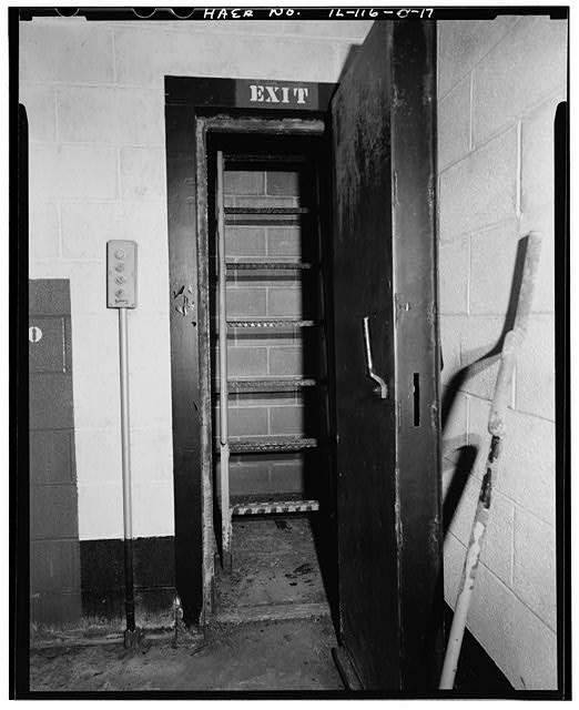 17.  MAGAZINE P INTERIOR, EXIT TO ESCAPE HATCH. - NIKE Missile Base C-84, Underground Storage Magazines & Launcher-Loader Assemblies, Easternmost portion of launch area, Barrington, Cook County, IL