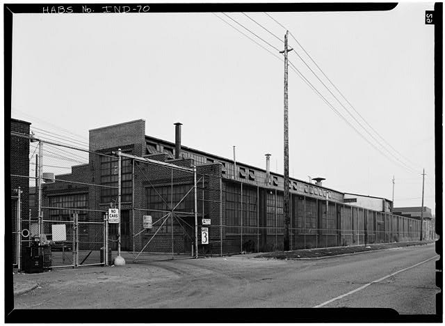 2. August 1970 PAINT AND BODY SHOP FROM SOUTH, SHOWING EAST FACADE - Duesenberg Automobile Company Factory, West Washington & Harding Streets, Indianapolis, Marion County, IN
