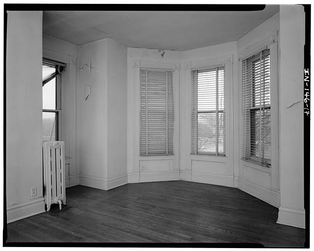 17.  SECOND FLOOR BEDROOM (#204) LOOKING SOUTHEAST - Thomas Harrison House, 514 West Main Street, Richmond, Wayne County, IN