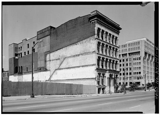 4.  VIEW OF SIDE ELEVATION - Lithgow Building, 301 West Main Street, Louisville, Jefferson County, KY