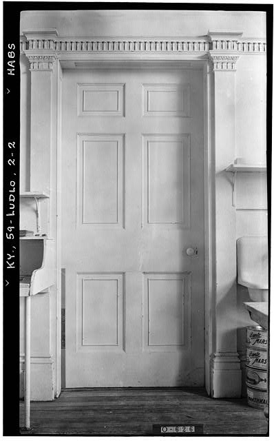 2.  Historic American Bldg. Survey Photographers: (E F Schrand (A R Arend, Nov. 6, 1936 DETAIL OF DOOR (RECEPTION HALL) - Elmwood Hall, 246 Forest Avenue, Ludlow, Kenton County, KY