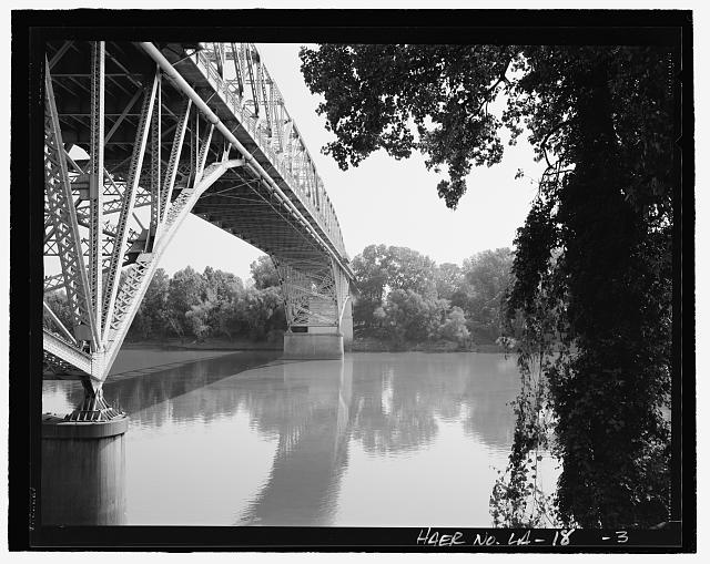 Perspective, view looking east on the south side of structure - Long-Allen Bridge, Texas Street Bridge, Spanning the Red River on US 80, Shreveport, Caddo Parish, LA
