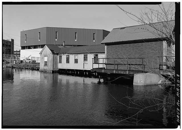 8.  SWAMP LOCKS AND DAM LOOKING AT UPSTREAM FACE FROM THE SOUTH SIDE OF SWAMP LOCKS BASIN: 1976 - Pawtucket Canal, Swamp Locks, Pawtucket & Merrimack Canals, Lowell, Middlesex County, MA