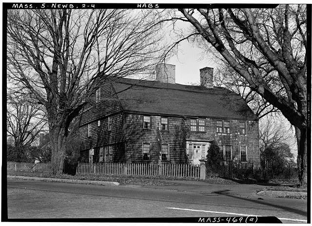 4.  Historic American Buildings Survey Frank O. Branzetti, Photographer Oct. 29, 1940 (a) EXT.-GENERAL VIEW, LOOKING NORTHERLY - Dr. Peter Toppan House, 5 High Road, Newbury Old Town, Essex County, MA
